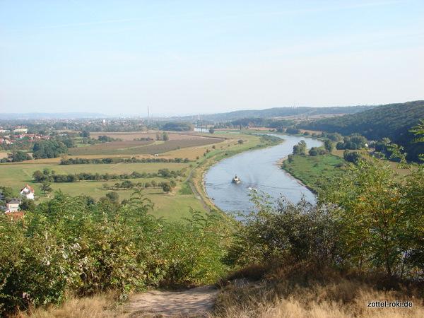 Blick Richtung Dresden, in der Ferne das Elbsandsteingebirge